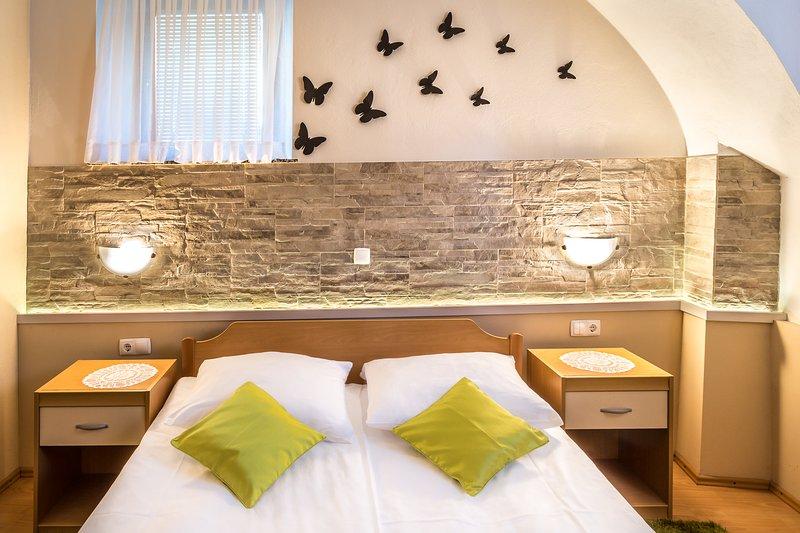 Habitación individual con cama de matrimonio