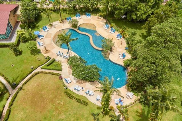 Phuket Palace condo by Yorgos, vacation rental in Patong