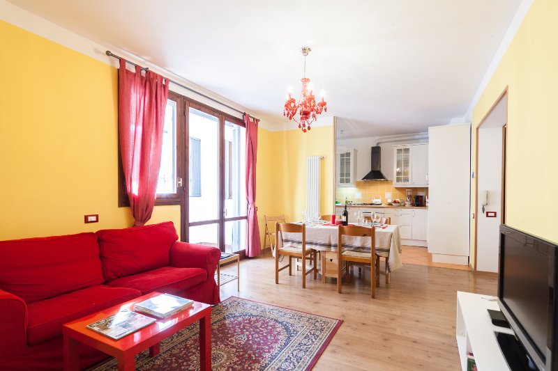 Bologna Rainbow House, holiday rental in Corticella