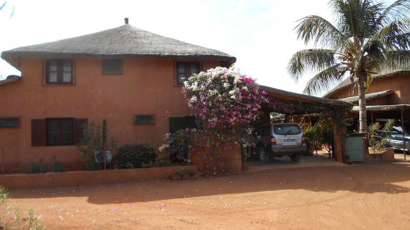 Villa 4 Chambres avec Piscine, holiday rental in Ndangane
