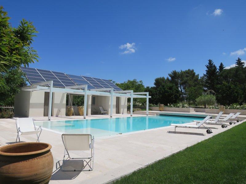 Trullo 3 coni con piscina, holiday rental in Crispiano