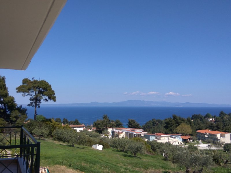 Sea View Apartments in Kriopigi, vacation rental in Kassandrino
