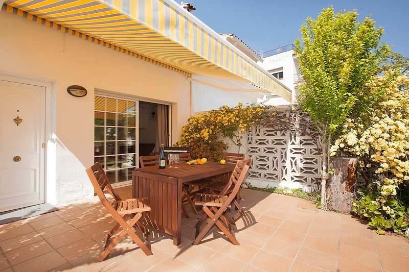 House in Platja d' Aro Costa Brava, near the beach. A/A, vacation rental in Platja d'Aro