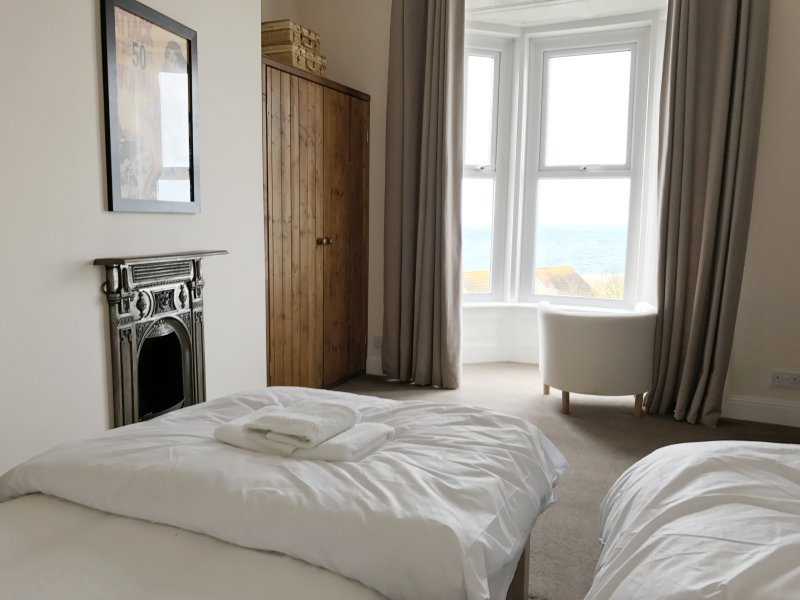 First floor twin bedroom with sea view