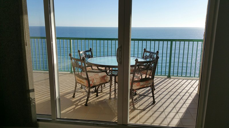 BRAND NEW Luxury  With  2 Oceanfront Master Suites DTT #1506, location de vacances à Daytona Beach Shores