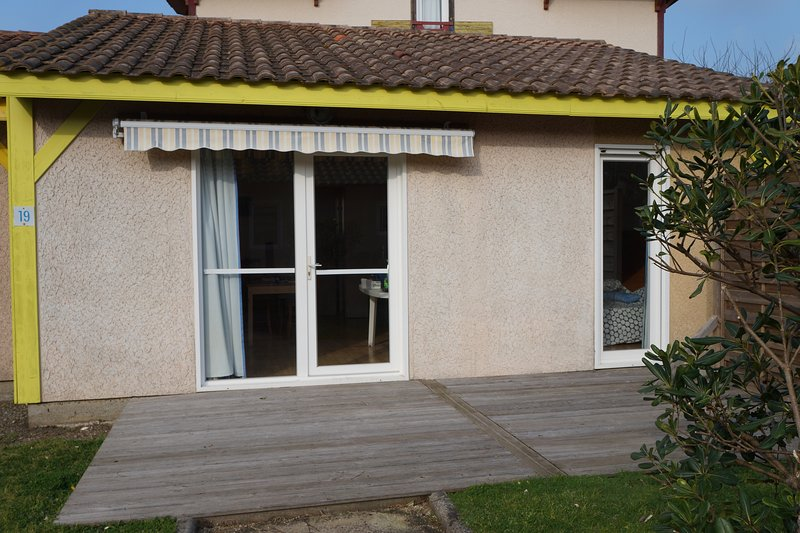 Villas du Lac 19 - Quality 2 Bed Villa  near French Spa capital, Dax., vacation rental in Vieux-Boucau-les-Bains