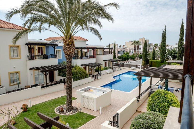 Stylish 2 Bedroom Apartment in Kato Paphos -  #20 Aphrodite Gardens, holiday rental in Tremithousa