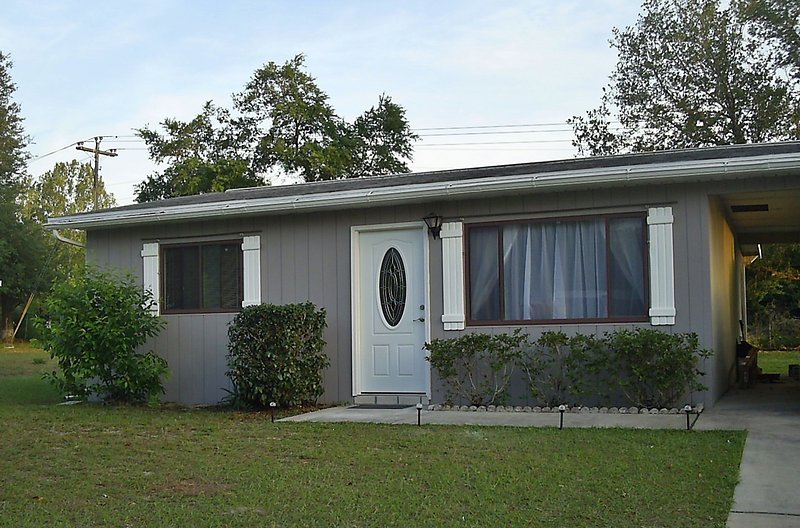 Affordable Cozy Pet Friendly Vacation Home on quiet community, vacation rental in Ocala