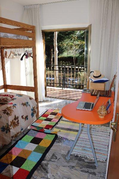 Camera in villetta di campagna a 1,4 km dal centro, vacation rental in Castelli