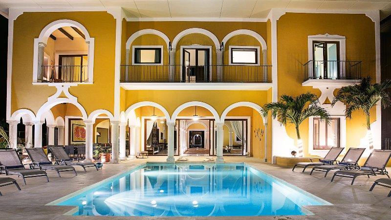 Riviera Maya Haciendas - Hacienda Mágica - Beach Front 5-14 Beds, FULLY STAFFED!, Ferienwohnung in Puerto Aventuras