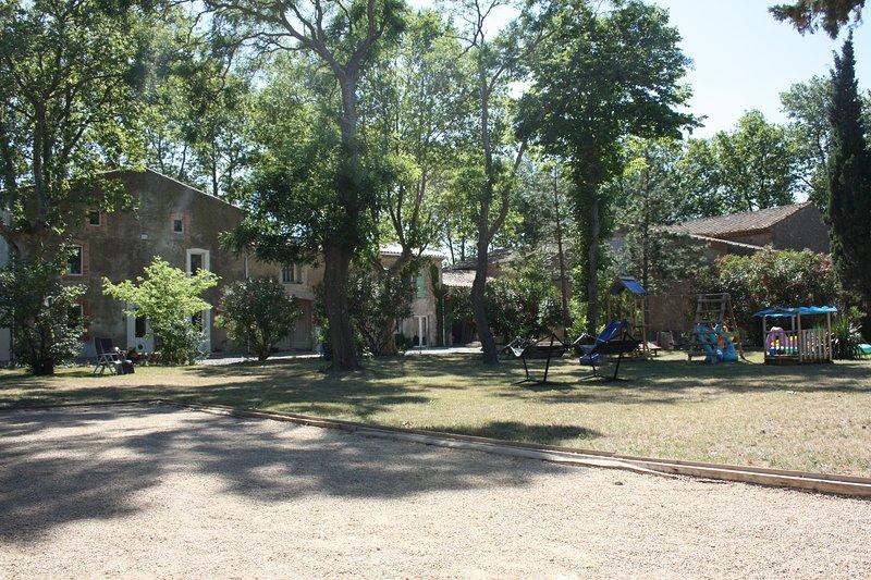 Domaine Le Piboul ' Les Ecuries', location de vacances à Conilhac-Corbieres
