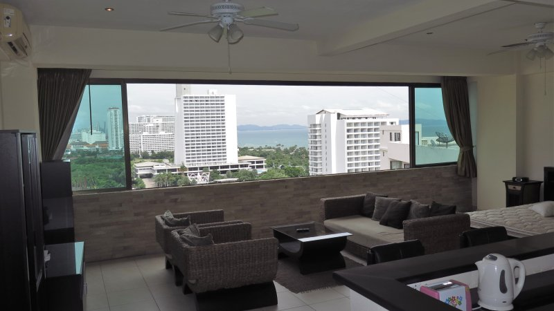 Apartment with incredible windows opening to expose a great view. See the beauty of the sunrise.