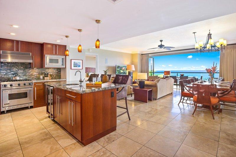 A stunning 9th floor deluxe 3 bedroom with sweeping ocean views
