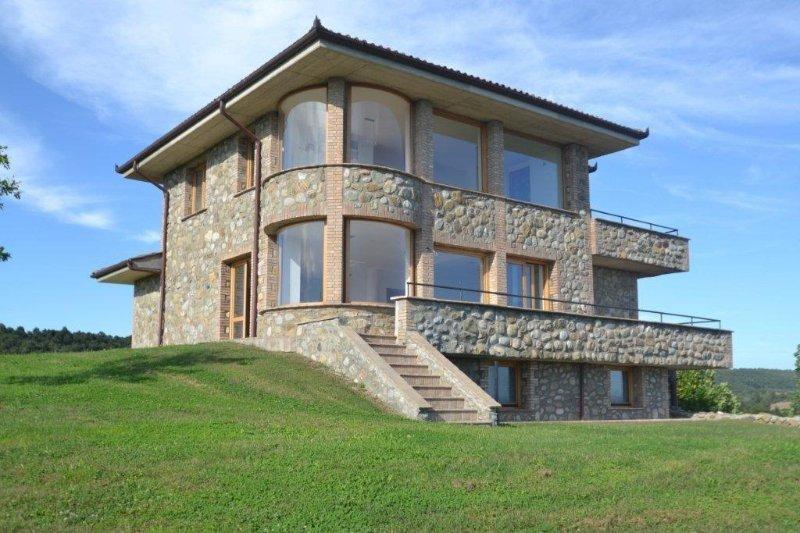 Villa with pool overlooking Lake Bolsena, vacation rental in San Lorenzo Nuovo