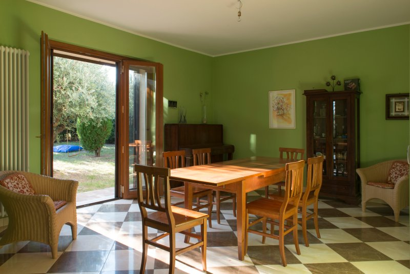 Villa Mediterranea, the perfect location in the country of Abruzzo., holiday rental in Citta Sant'Angelo