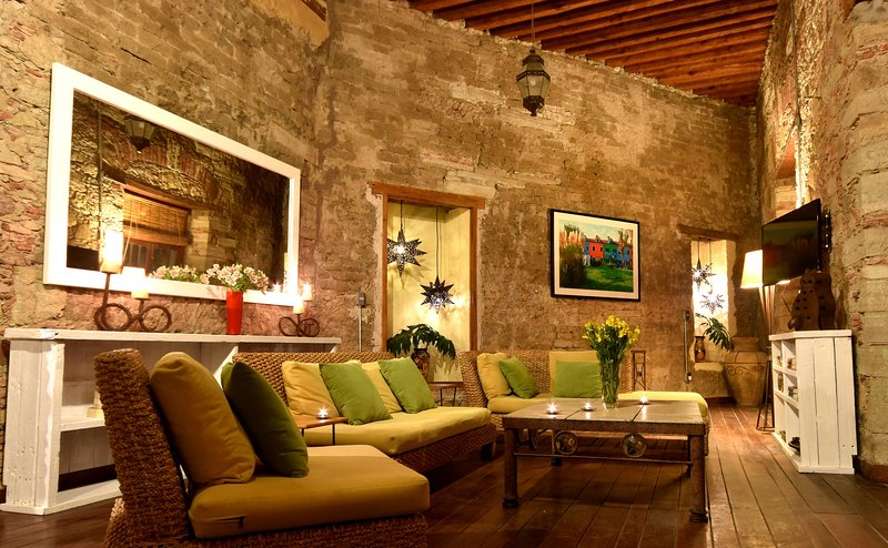 Beautiful Spacious Home in Downtown Guanajuato, holiday rental in Guanajuato