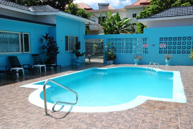 Eslyn Villa Runaway Bay - A Home Away From Home..., vacation rental in Runaway Bay