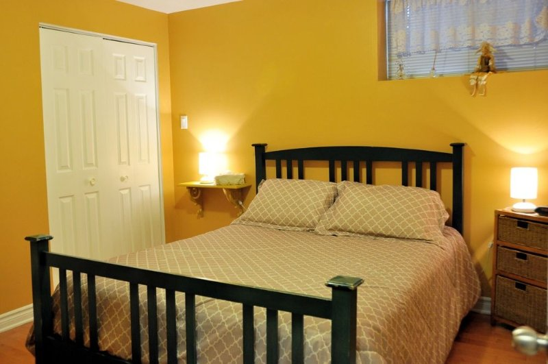 Standard Room, Shared Bathroom (Bihoreau), vacation rental in Saint-Laurent-de-l'Ile-d'Orleans