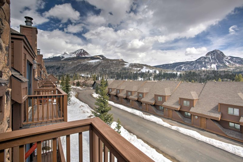 Enjoy unbelievable views from the balcony!