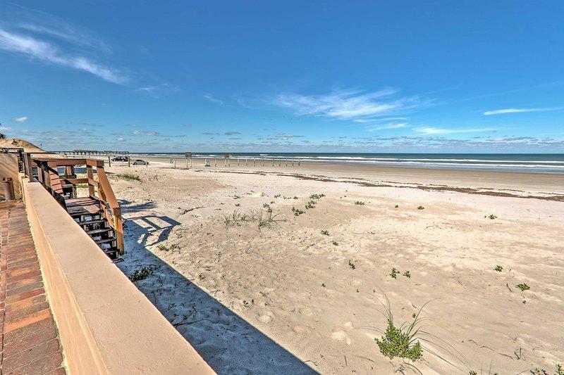 Prenotare questo accogliente condo in affitto per un rifugio d'avanguardia di Daytona Beach!