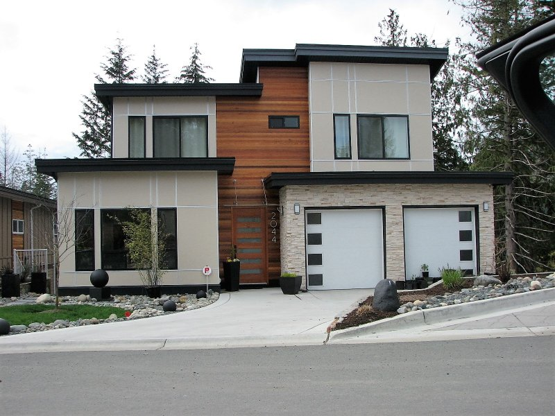 Located in a beautiful West Coast Style home built in 2016