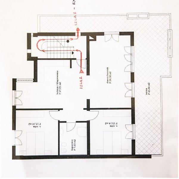 A(4+2): floor plan