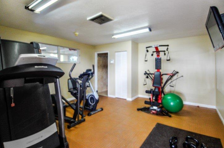 Mens & Womans Gym