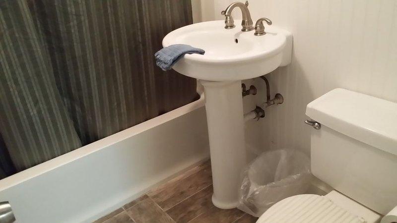 Nieuwe bad, bad, douche, vloeren