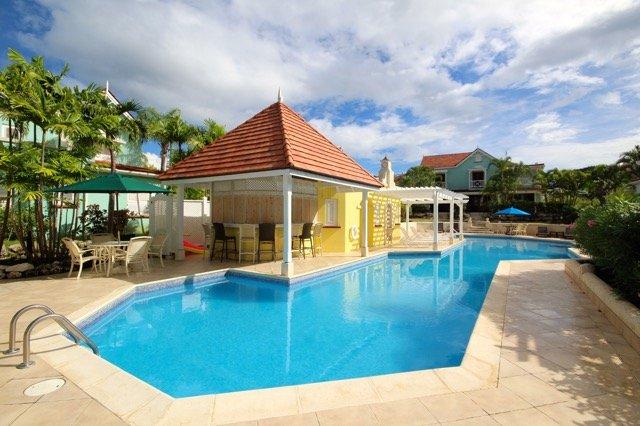 2 Bedroom Luxury Villa, casa vacanza a Little Battaleys