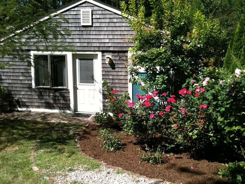 IDYLLIC COTTAGE NEAR THE SEA, vacation rental in Truro