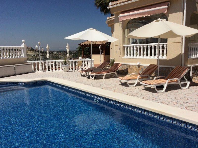 8 x 4m pool och sola.
