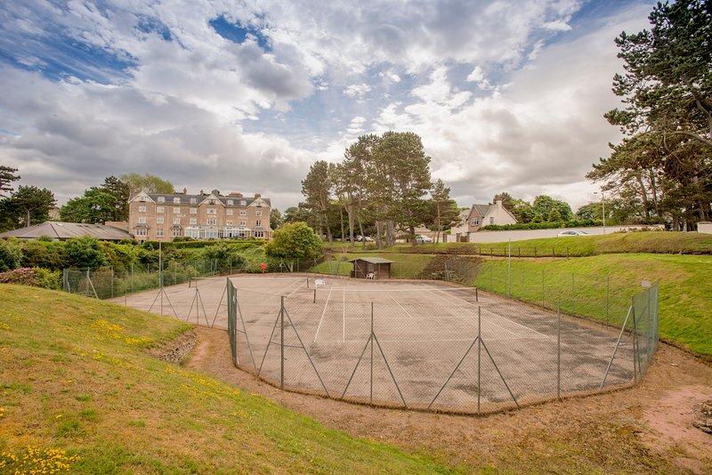 Situado em frente Seaview Lodge, os hóspedes podem usufruir gratuitamente dos campos de ténis.