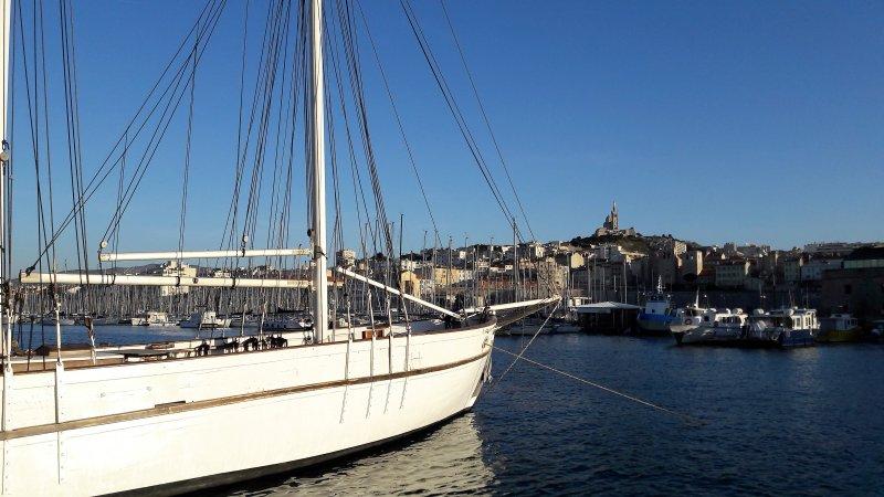Vieux-Port- St Victor Charmant appartement ,  ensoleillé ,calme  .Ville où plage, location de vacances à Marseille