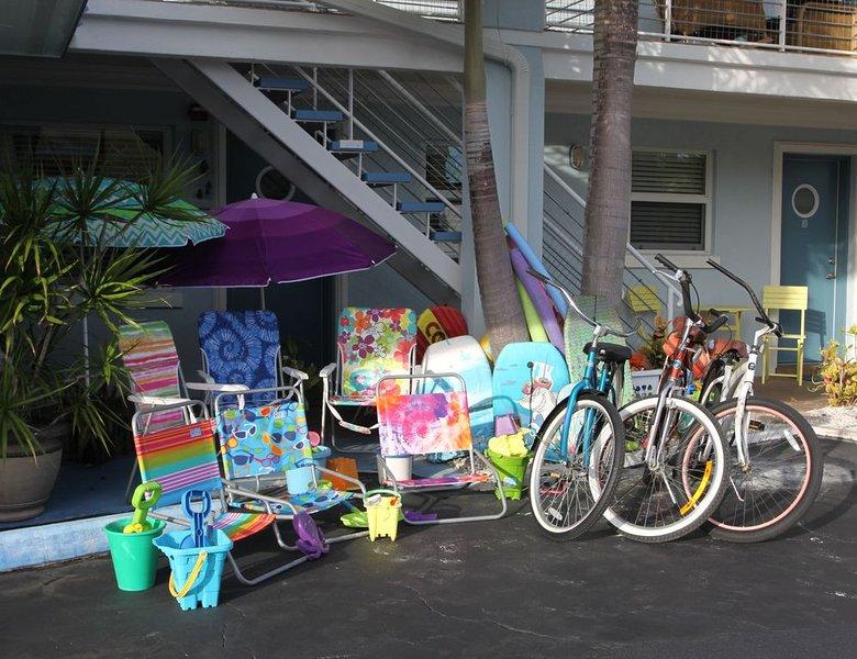 uso gratuito de cadeiras de praia, bicicletas, guarda-chuvas
