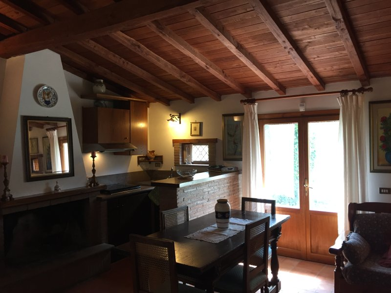 Chalet a 200 mt dalle Terme di Orte, vacation rental in Bassano in Teverina
