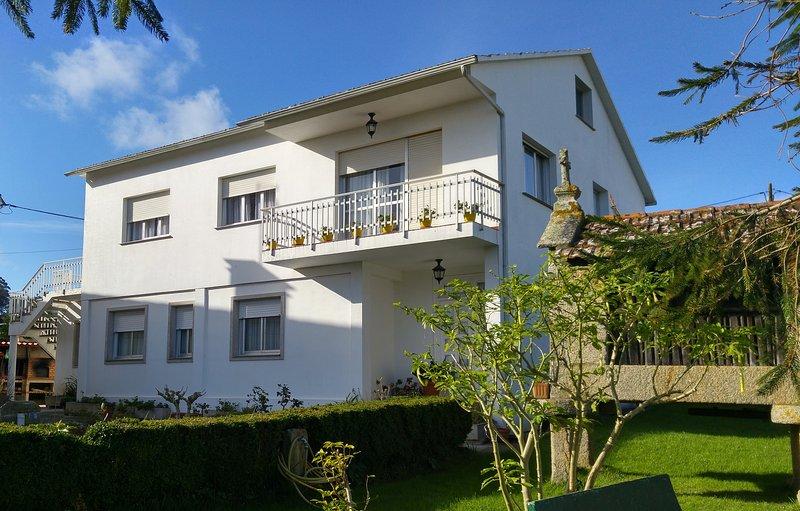 Alquilo casa, planta superior a 3km de la playa., aluguéis de temporada em Outeiro