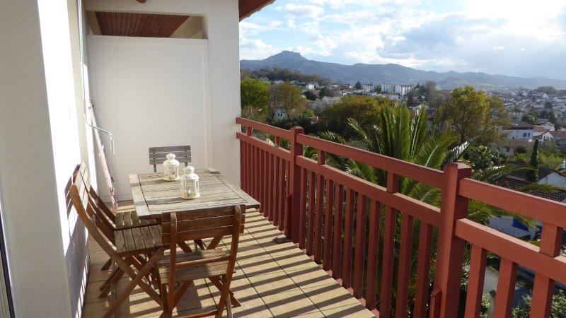 Apartamento con vista panorámica a Hendaya, vacation rental in Hendaye