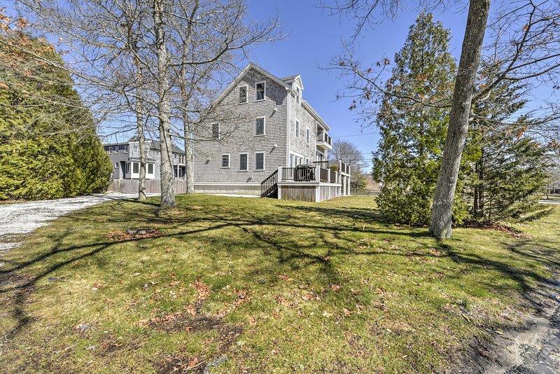 Bénéficiant 2.800 pieds carrés, cette maison à deux niveaux est parfait pour les grands rassemblements, comme les réunions de famille.