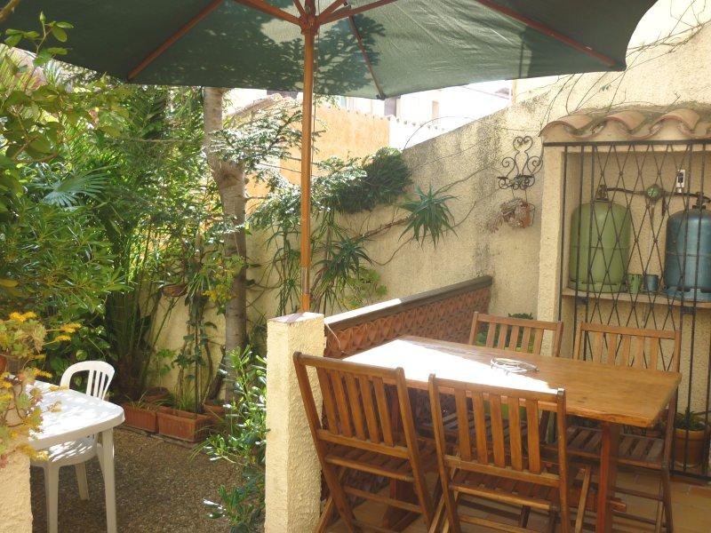 Nice house near the beach & terrace, holiday rental in Sainte-Marie