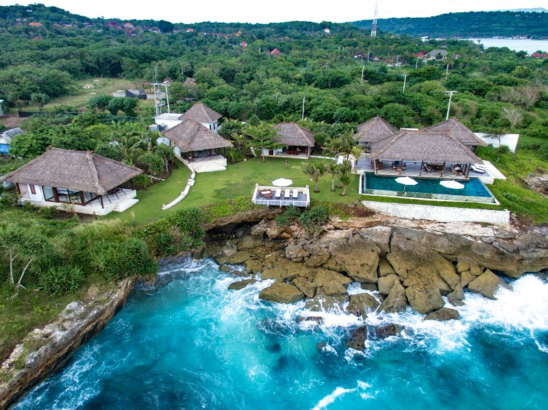 VILLA BAHAGIA. 4 BEDROOM VILLA WITH SPECTACULAR OCEAN VIEWS. LEMBONGAN. BALI., vacation rental in Ped