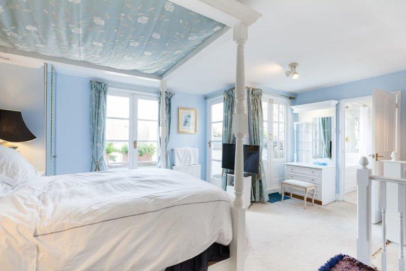 Master-Schlafzimmer, Bad en Suite und Dachterrasse