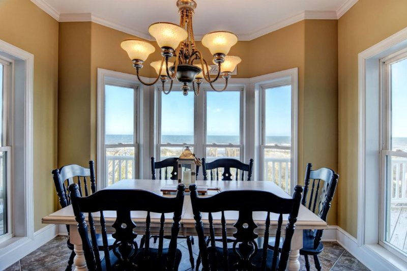 Dining Area with Great Views!