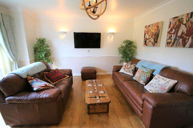 LOCAL TO HARRY POTTER 15 MINS & EUSTON LONDON IN 30 MINS.  IDEAL FOR FAMILIES., vacation rental in Aldbury