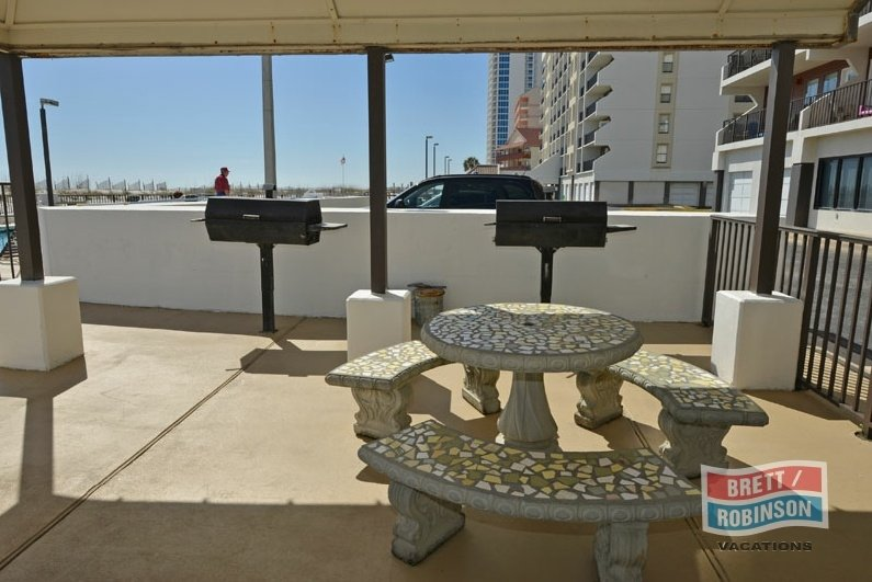 Island Winds East Gulf Shores Grills.jpg
