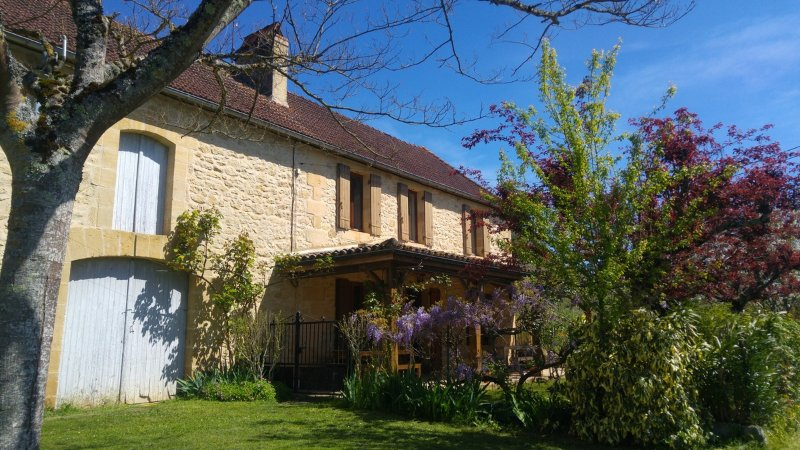 La Longere, una preciosa casa de campo con vistas al valle del Dordoña. Cerca de Beynac, Sarlat y Domme