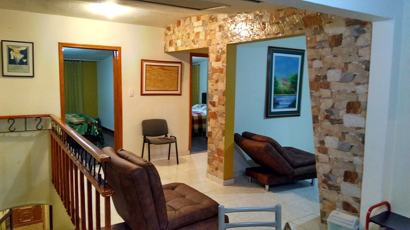 Hermoso apartamento de descanso, comodo y moderno esparcimiento y naturaleza, location de vacances à Tocancipa