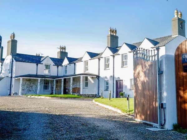 TY BETI, beautifully furnished, patio, pet-friendly, WiFi, near Valley, Ref, location de vacances à Llanfachraeth