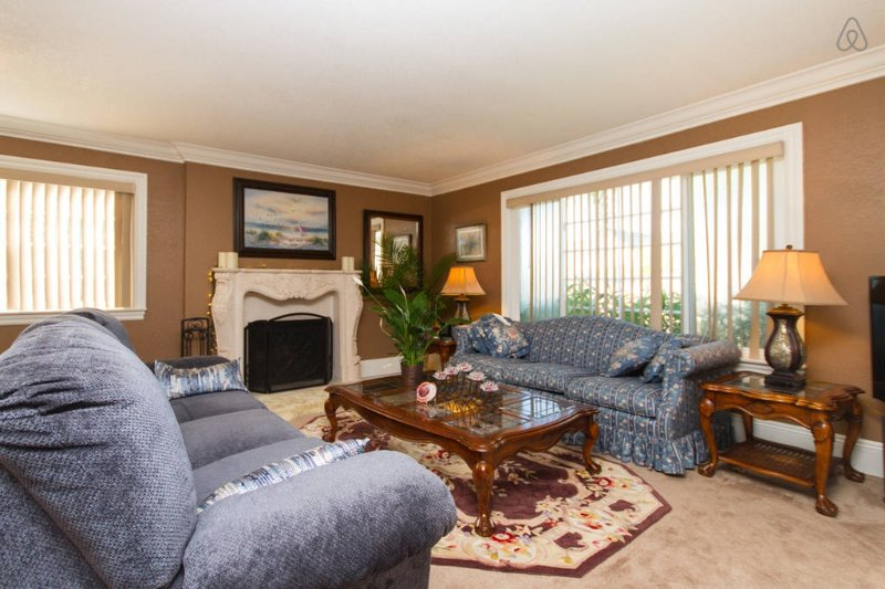 Executive Sublets, holiday rental in Fountain Valley