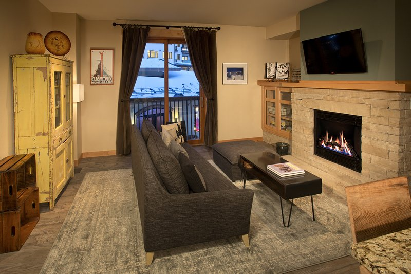 Taos Ski Valley Ski-in/Out One Bedroom Condo, holiday rental in Taos Ski Valley