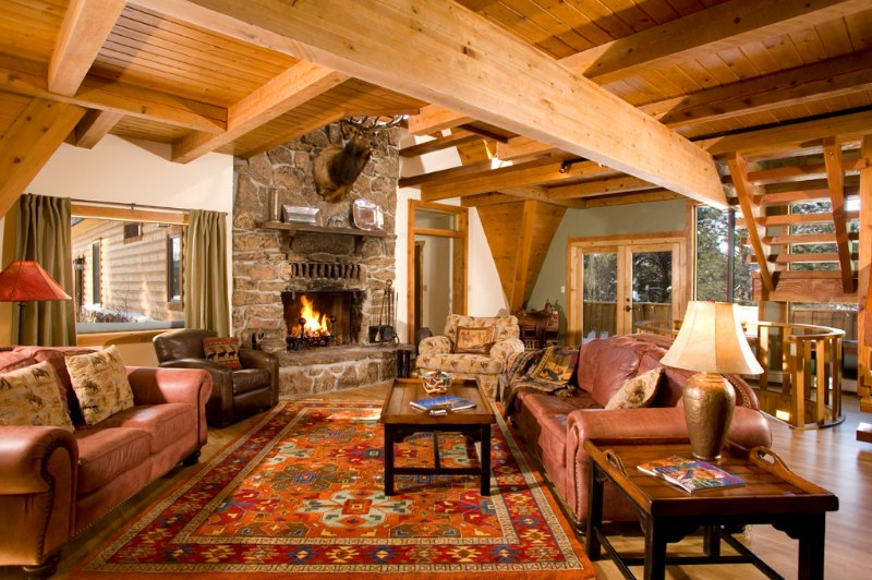 Large Lodge Style Home in Brazos Canyon near Chama, NM